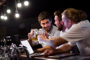 Като барман, как се справяте с подпийналите клиенти?